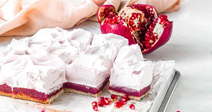 طرز تهیه فراستینگ کیک انار