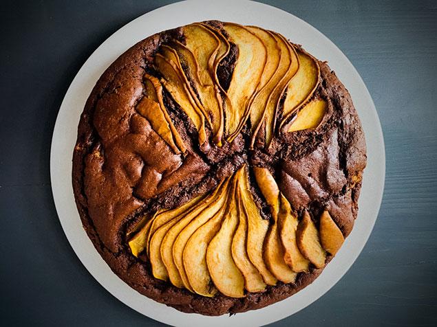پخت کیک گلابی زعفرانی