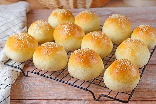 طرز تهیه نان لقمه در فر