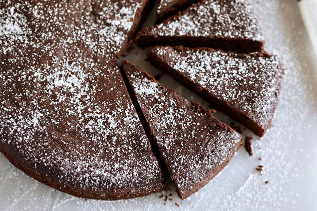 مواد لازم جهت تهیه کیک تابه ای