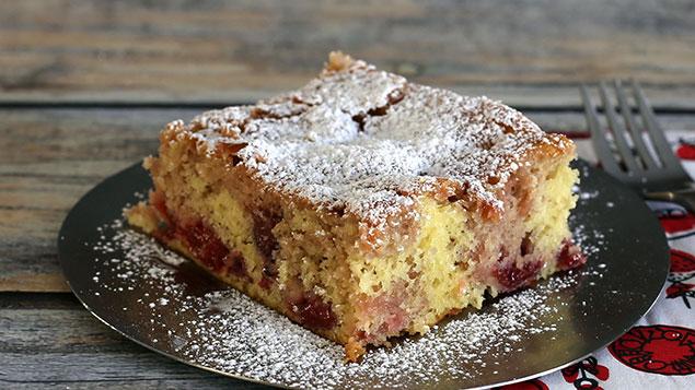 طرز تهیه کیک آلبالو