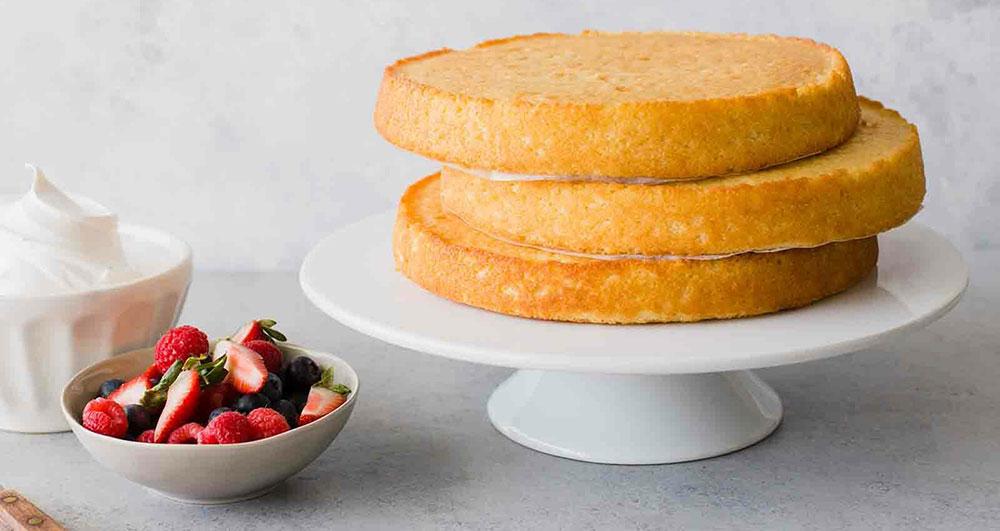 طرز تهیه کیک ساده بدون شیر