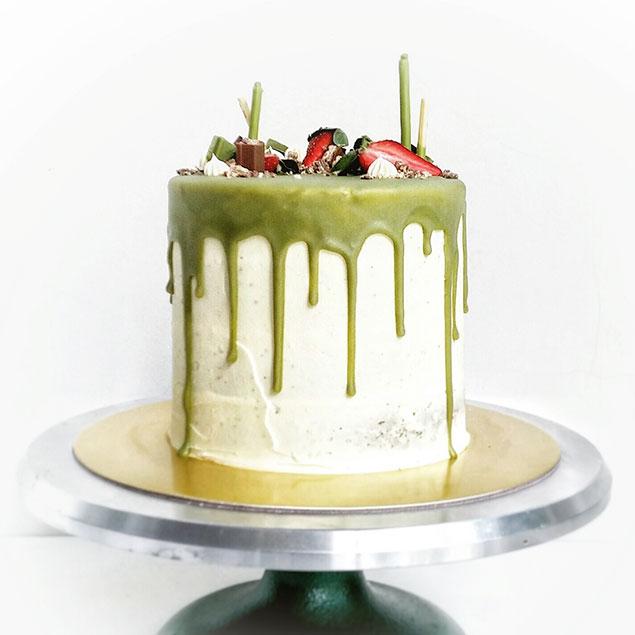 طرز تهیه شکلات برای کیک چای سبز