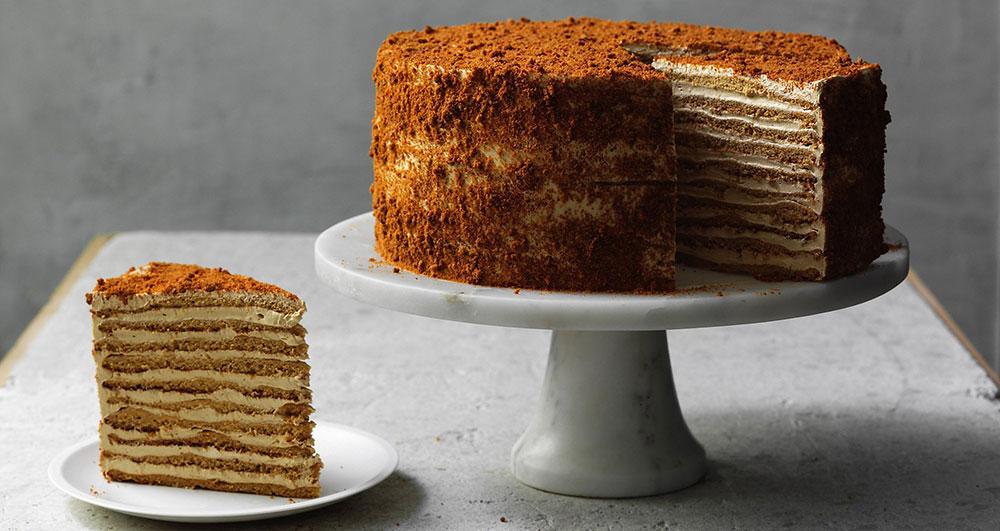 طرز تهیه کیک مدوویک در منزل