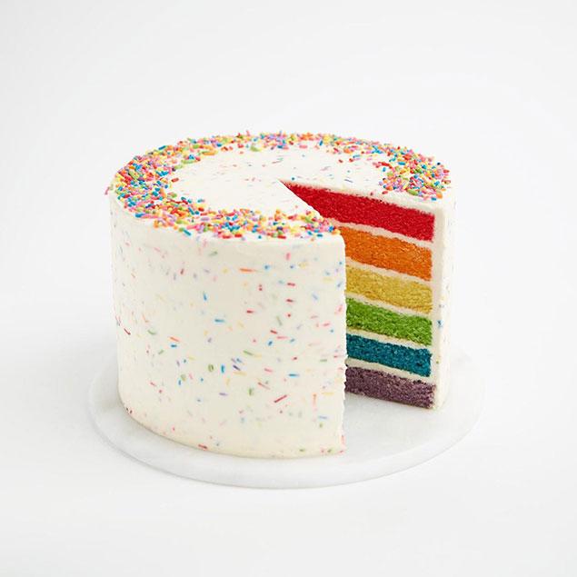 مرحله خامه کشی کیک رنگین کمانی