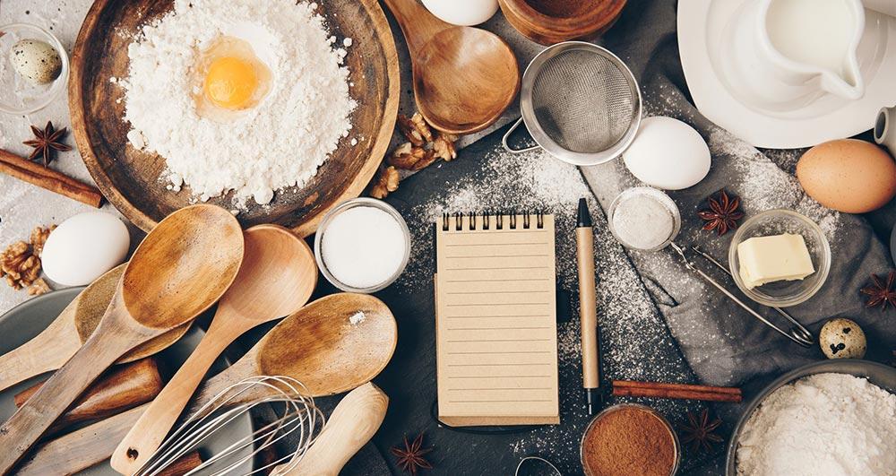 از چه موادی می توان برای جایگزین شیر در کیک استفاده کرد؟