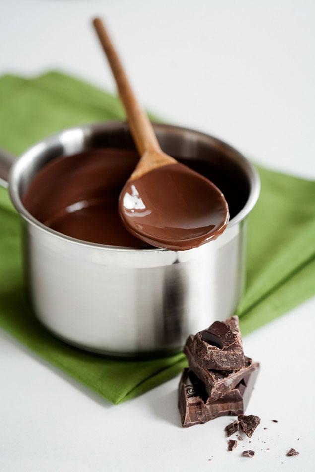 روش های آب کردن شکلات