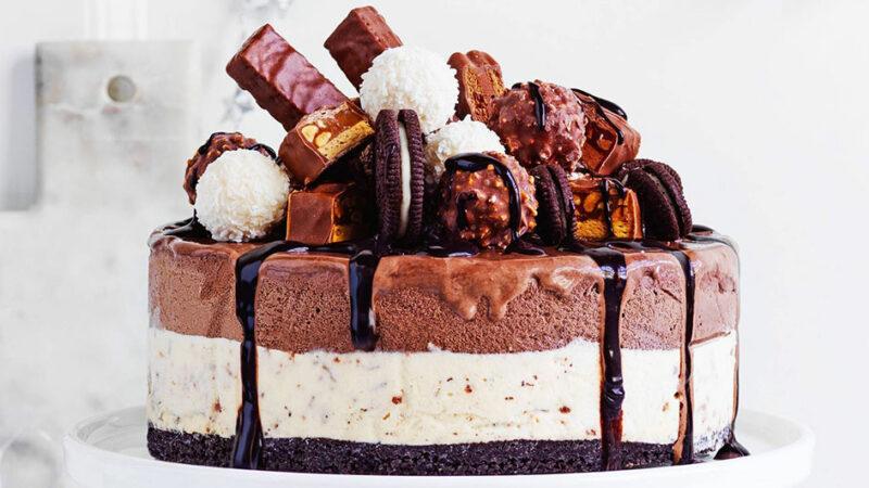 طرز تهیه کیک بستنی چگونه است؟