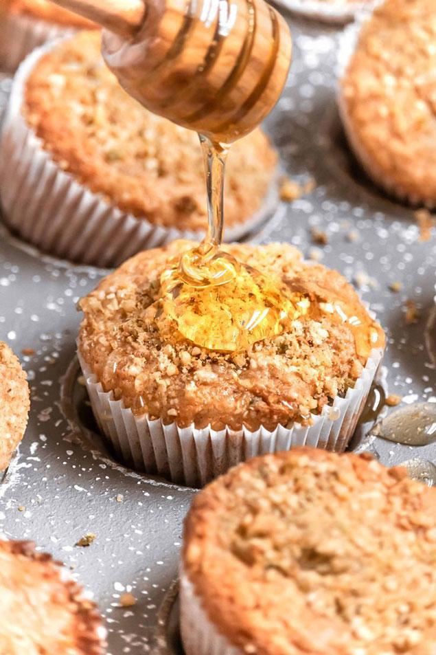 طرز تهیه خمیر کیک شیرازی