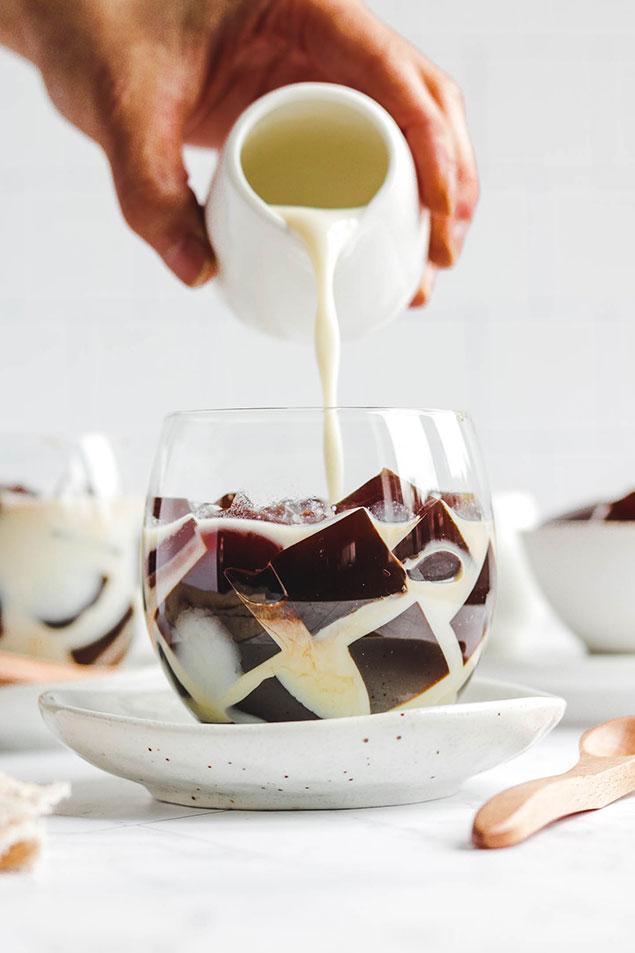 مراحل تهیه شیر عسلی