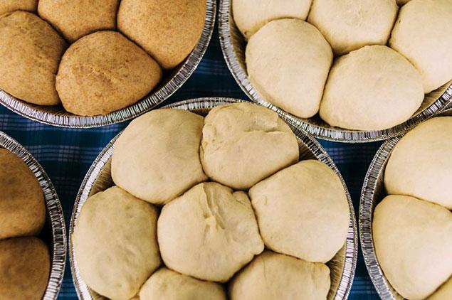 مواد لازم برای تهیه ی نان کندو