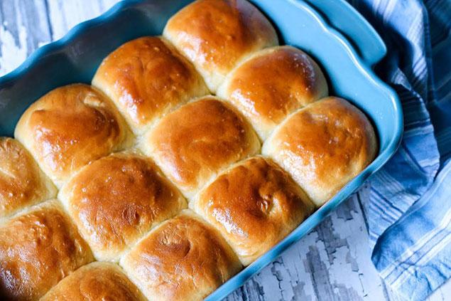مراحل آماده کردن نان کندو