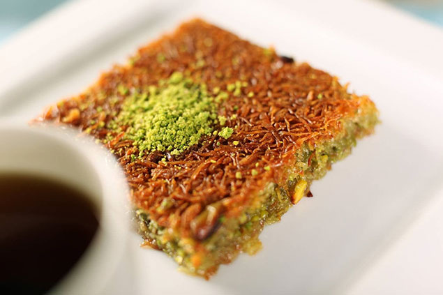 مراحل تهیه کیک کادایف